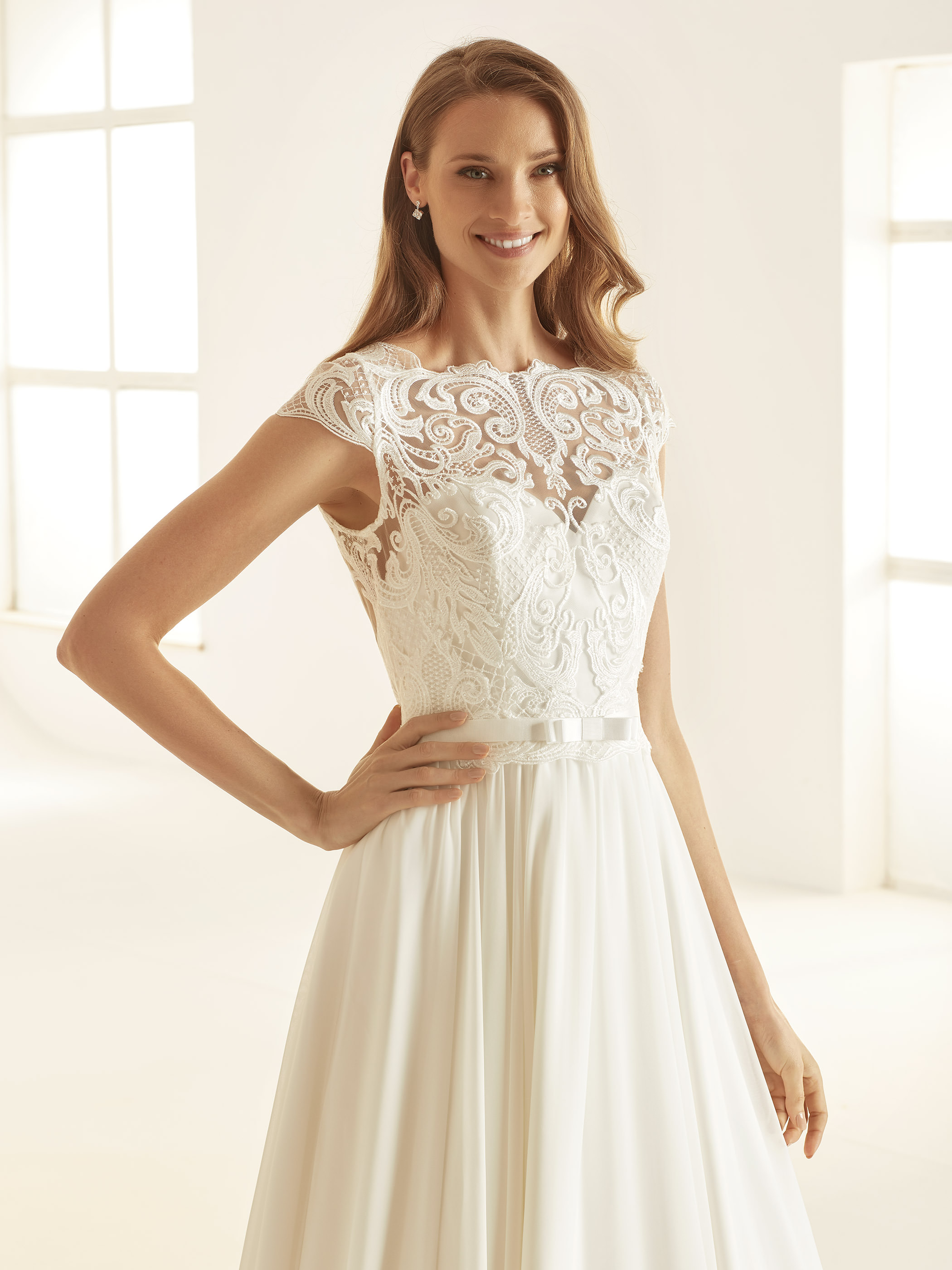 OLIVIA-Bianco-Evento-bridal-dress-(2)