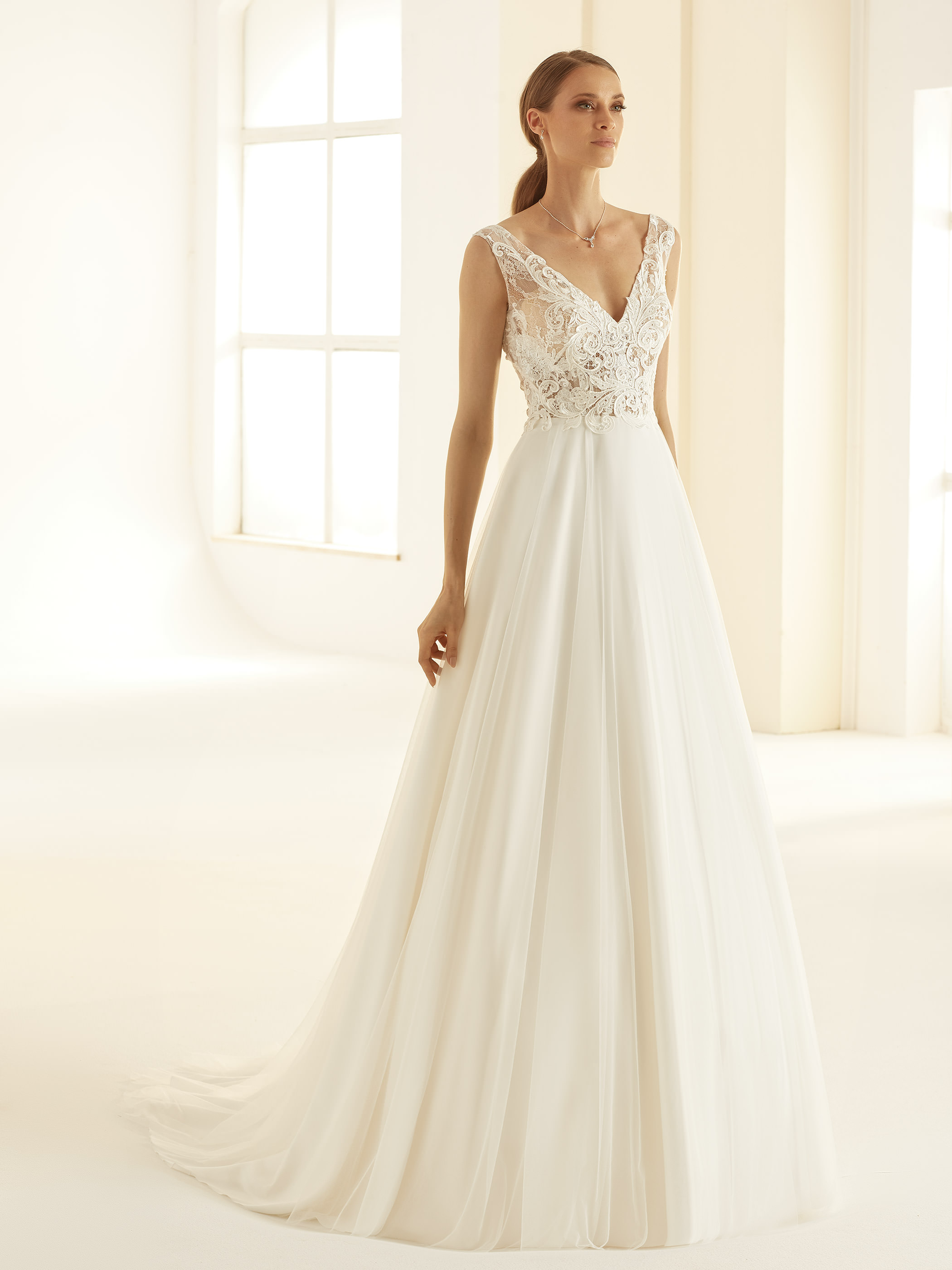 PRECIOSA-Bianco-Evento-bridal-dress-(1)